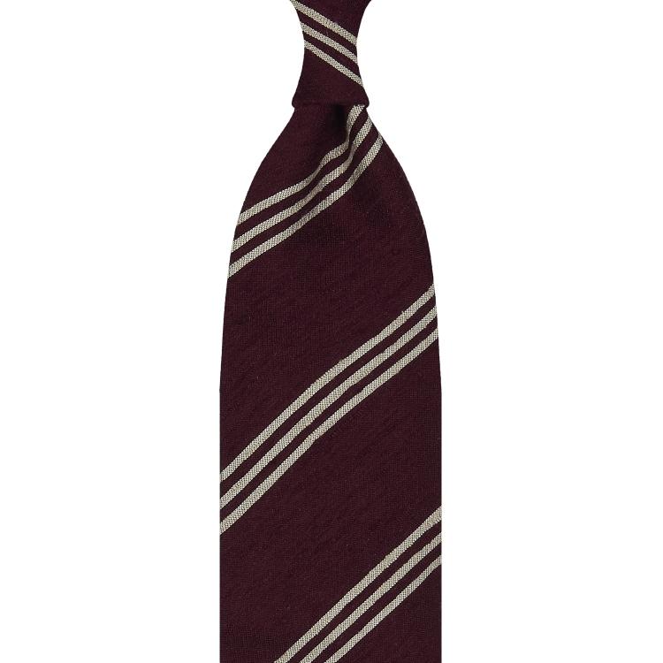 Cravate rayée en shantung de soie bordeaux et beige, roulée à la main