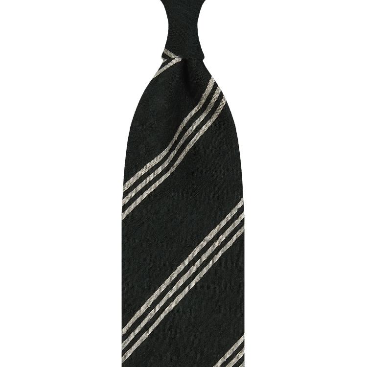 Cravate rayée en shantung de soie vert forêt et beige, roulée à la main